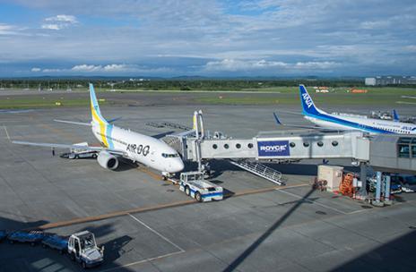 飛行機で海外へ長距離移動 大人用おむつの選び方